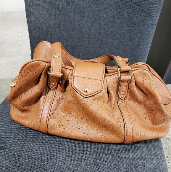 Louis Vuitton Handbags - Louis Vuitton Mahina Lunar purse